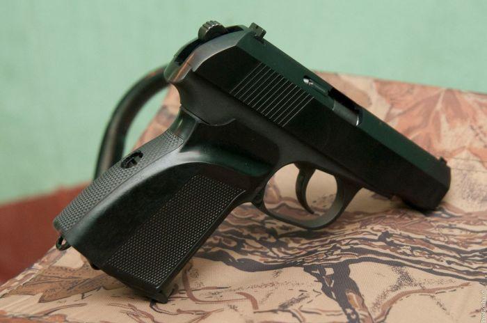 Что представляет собой отечественный пистолет Baikal-442, который стоит на вооружении структур МВД Армия и флот