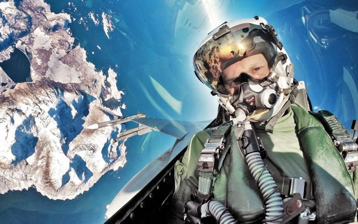 заход5 Люси в небе с алмазами: селфи пилотов самолетов