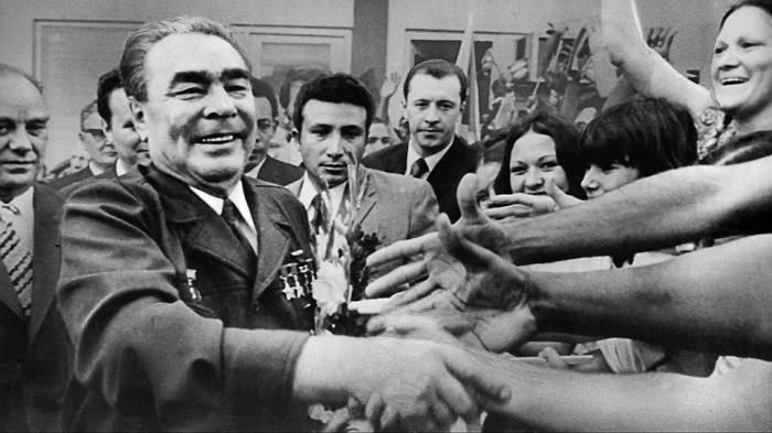 Брежнев отказался от массовых политических репрессий и сделал ставку на идеологию и моральные стимулы поощрения. /Фото: im.kommersant.ru