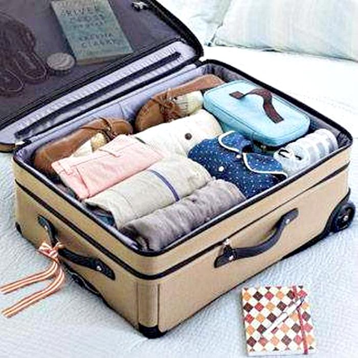 Вещи в чемодане.