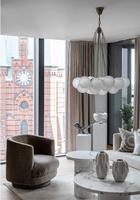 Потрясающая современная квартира с видом на старинную церковь в центре Стокгольма