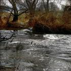Красивая река весной