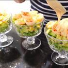 Испанская свекровь готовит салат с креветками и авокадо // Наш семейный испанский рецепт