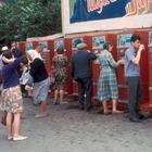 Почему в СССР все пили напитки из общего стакана и не болели?