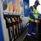 5 красноречивых признаков, указывающих на плохой бензин, залитый на АЗС