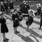 12 незаслуженно забытых дворовых игр, о которых вряд ли знает ваш ребенок