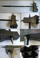 Боевой молот - средневековое древковое дробящее оружие