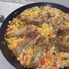 Курица с рисом и овощами. Рис по-каталонски