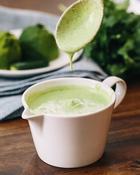 Простая и вкусная заправка для салатов