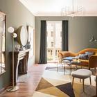 Куркума и морская волна: квартира с интересными цветовыми сочетаниями в Барселоне