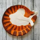 Керамические тарелки в виде уютно свернувшихся кошек