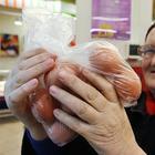 Россиян годами обманывают в магазинах, чтобы остановить рост цен на продукты