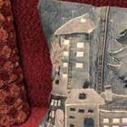Оригинальная вещица из джинсовых обрезков