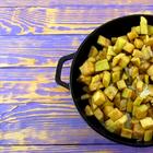 Залейте баклажаны яйцами и получите чудо-закуску (видео - рецепт)