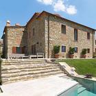 Современный дом из камня в итальянской Тоскане