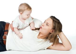 «Ручные» дети или как отучить малыша от рук