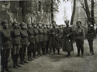 Как появились и исчезли женские батальоны смерти