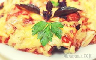Запеканка из баклажанов с курицей, помидорами и сыром