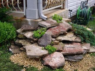 Примеры фантастических идей для создания необычного ручья из водостока