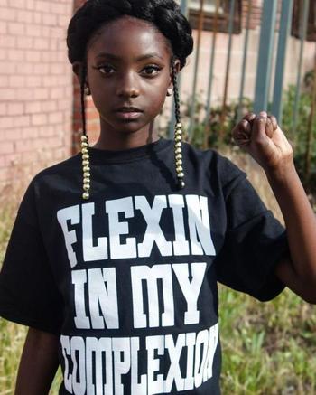 От изгоя до фэшн-дизайнера: как темнокожая школьница помогла другим быть самими собой