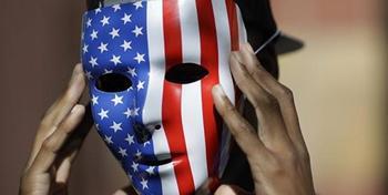 США обвиняют 12 сотрудников российской спецслужбы во вмешательстве в президентские выборы