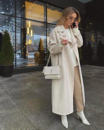 Как и с чем носить светлое пальто