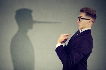 10 простых способов понять, что человек вам врет