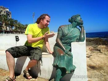 20 человек, которые знают как надо правильно фотографироваться со статуями