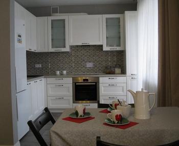 Кухня: серый плюс молоко и песок