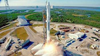 Первый успешный пуск повторно используемых ракеты и космического корабля