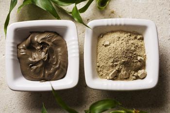 Маски, обертывания, скрабы с глиной против целлюлита и растяжек