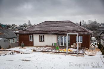 Минчане продали «двушку» в центре города и построили стильный загородный дом из белорусских материалов