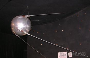 Его назвали Sputnik: история первого искусственного спутника
