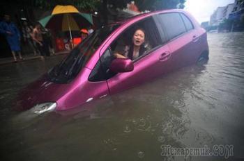 50 иллюстраций того, как непросто бывает девушкам с автомобилями