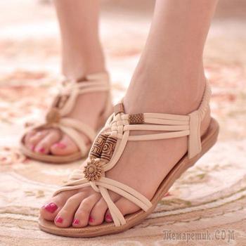 10 самых распространенных ошибок, которые делают женщины, выбирая летнюю обувь