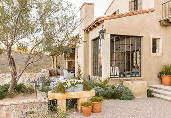 Великолепная резиденция из камня в Аризоне