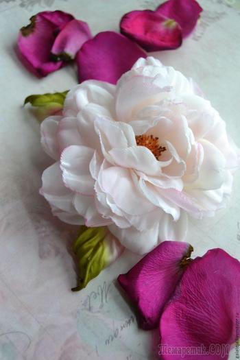 Создаем брошь-розу из шелка «Маркиза»