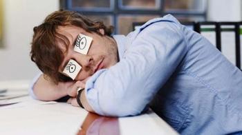 К чему приводит недостаток сна, и как наконец выспаться