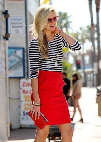 Красная юбка — яркая деталь для настоящей модницы