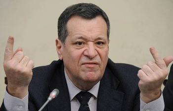 «У нас уровень бедности сократился!» Депутат Макаров объяснил отказ от раздачи денег россиянам