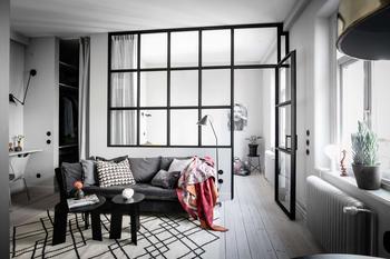 Квартира 39 кв.м. с застекленной спальней и стильным серым интерьером