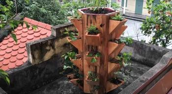 Подставка-башня для цветов своими руками