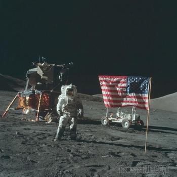 Это интересно: Теория Лунного заговора