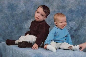 25 неловких семейных фотографий, доказывающих, что семья — это радость и проклятие
