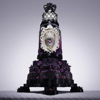 Потрясающий торт в честь дня рождения Фредди Меркьюри