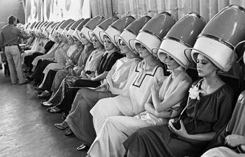 Начесы, бабетты и модельные стрижки: что происходило в салонах красоты в СССР