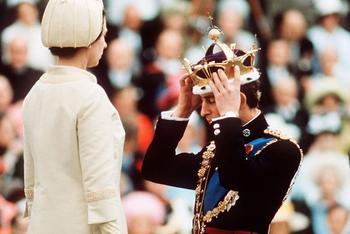 Наследник Елизаветы II всю жизнь ждал корону. Чем принц Чарльз занимался последние 70 лет?