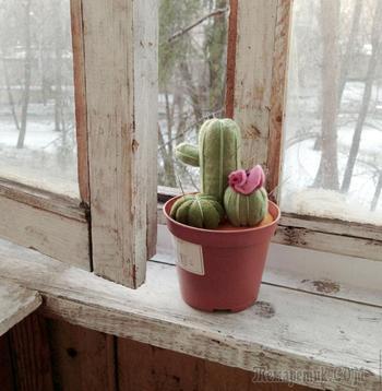 Симпатичная игольница-кактус своими руками