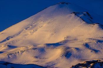 Завораживающие виды Эльбруса на рассвете
