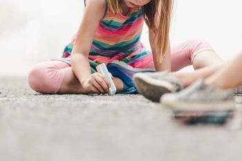 Во что поиграть с детьми на свежем воздухе: ТОП-4 игры